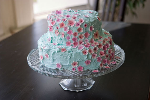 """""""Simplicity Is The Keynote Of All True Elegance """" Cake"""